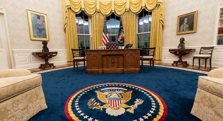 După standardele mass-mediei, Biden este un xenofob rasist care vrea să fie rege