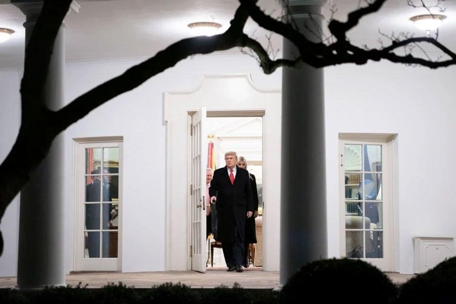 Trump cedează și se angajează să se concentreze asupra transferului liniștit al puterii