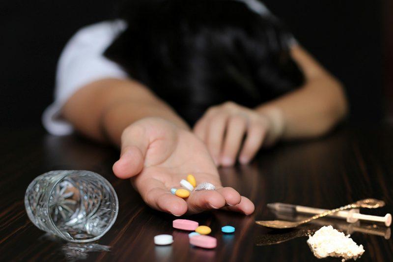 Lockdown-urile, catastrofale pentru dependenții în curs de recuperare și pentru sănătatea mintală