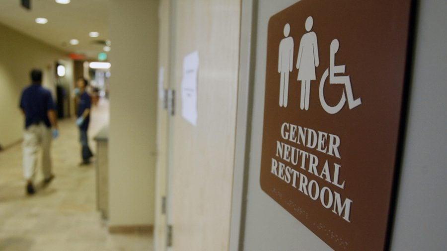 De săptămâna viitoare Biden va da acces transgenderilor în băile și vestiarele comune ale școlilor