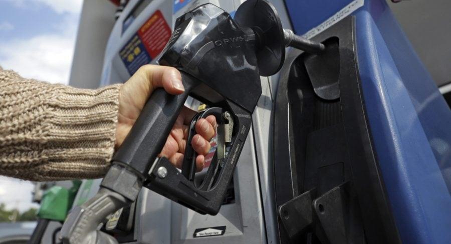 Trump avea dreptate: Benzina sare de 2,75 dolari galonul la nivel național și se preconizează că prețul va urca