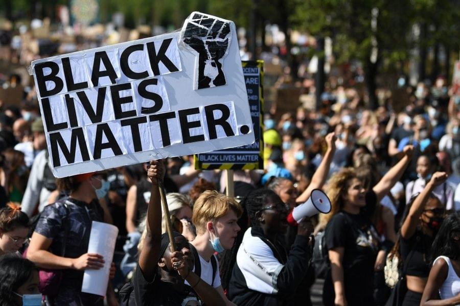 Sprijinul pentru Black Lives Matter se prăbușește la 2%