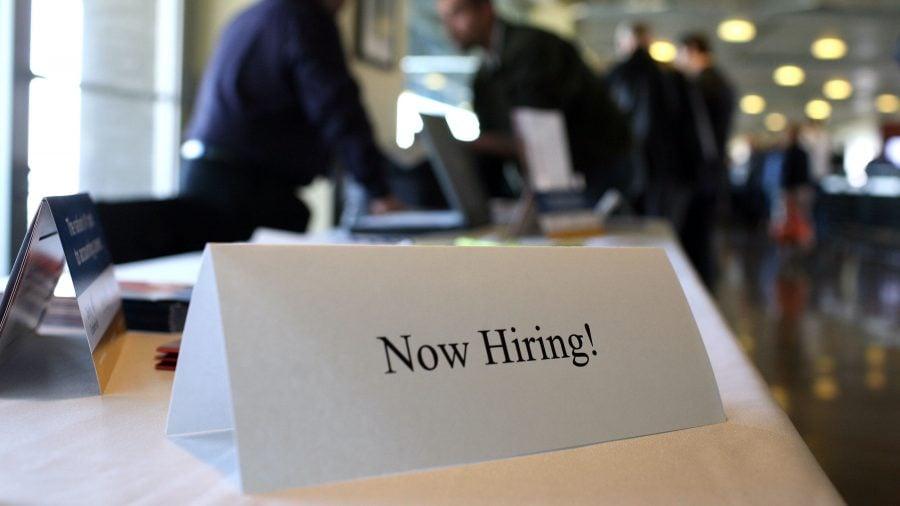 De ce avem 8,4 milioane de șomeri când există 10 milioane de locuri de muncă disponibile?