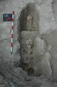 Detall dels enterraments. Foto: Almudena Garcia Ordónez- Arqueolític Terra-Sub, S.L.