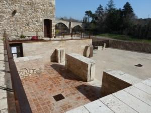 Vista de la plaça dels Jueus de Besalú, on es troba situat el nou BCIN. Fotografia: Margarida Genera