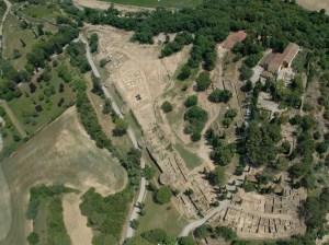 Vista aèria del Puig de Sant Andreu (Ullastret).
