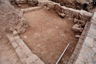 Àmbit de llevant del primer dels habitatges medievals excavats.