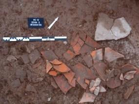 ). 4. Detall de les 3 àmfores ibèriques esclafades en el recinte documentat del segle III aC, les quals seran analitzades per confirmar si el seu contingut era vi