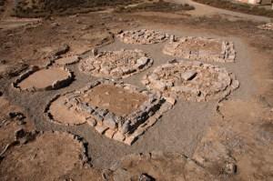 Vista general dels túmuls un cop finalitzada la intervenció de consolidació i restauració.