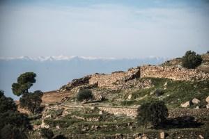 Vista general de la zona exterior de la muralla ja desenrunada