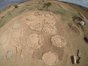 12. Vista general de la necròpolis tumulària d'Almenara un cop acabada la campanya de restauració i consolidació el mes de novembre de 2017 (Foto: Iltirta Arqueologia SL)