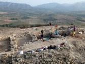 6. Treballs d'excavació al jaciment del Coll del Moro. Fotografia: Equip Coll del Moro de Gandesa