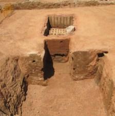 """3. Detall del procés de l'excavació.arqueològica del carrer Berenguer de Palou (La Sagrera, Barcelona)"""". Fotografia: Isabel Pereira"""
