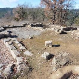 Detall de les estructures del poblat de Castellvell (Olius, Solsonès). Fotografia: SAP