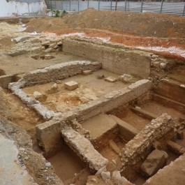 1. Vista general de l'excavació des de la cantonada occidental del solar. Fotografia: J. Ciurana.