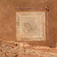 4. Mosaic recuperat al sector oest de la insula oriental amb la representació de la flor de la vida. Fotografia: Iñaki Moreno