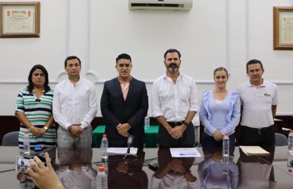 Anuncia Tecutli Gómez reconstrucción total de carreteras