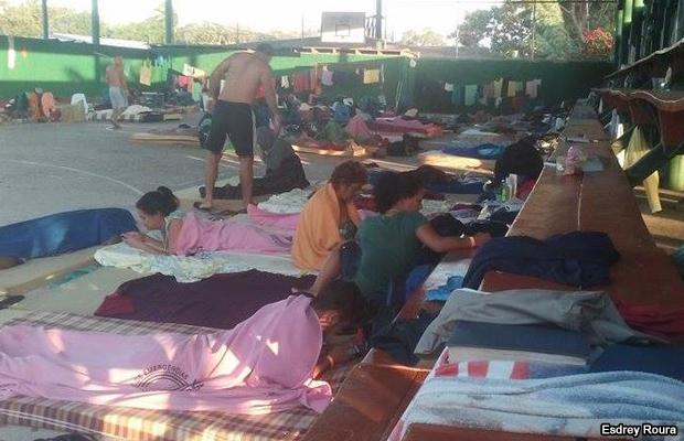 20160109-cubanos-costa-rica