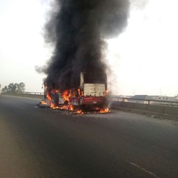 Photos of LAGBUS fire incident on Third Mainland Bridge