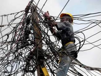 nigeria-bad-power-electricty-wires-eyesore