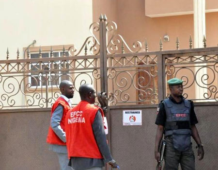 EFCC clears official of N10.6bn land, house acquisition