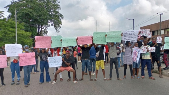 Again, #EndSARS, #EndSWAT protesters shutdown Ibadan, #EndSARS protesters bank accounts