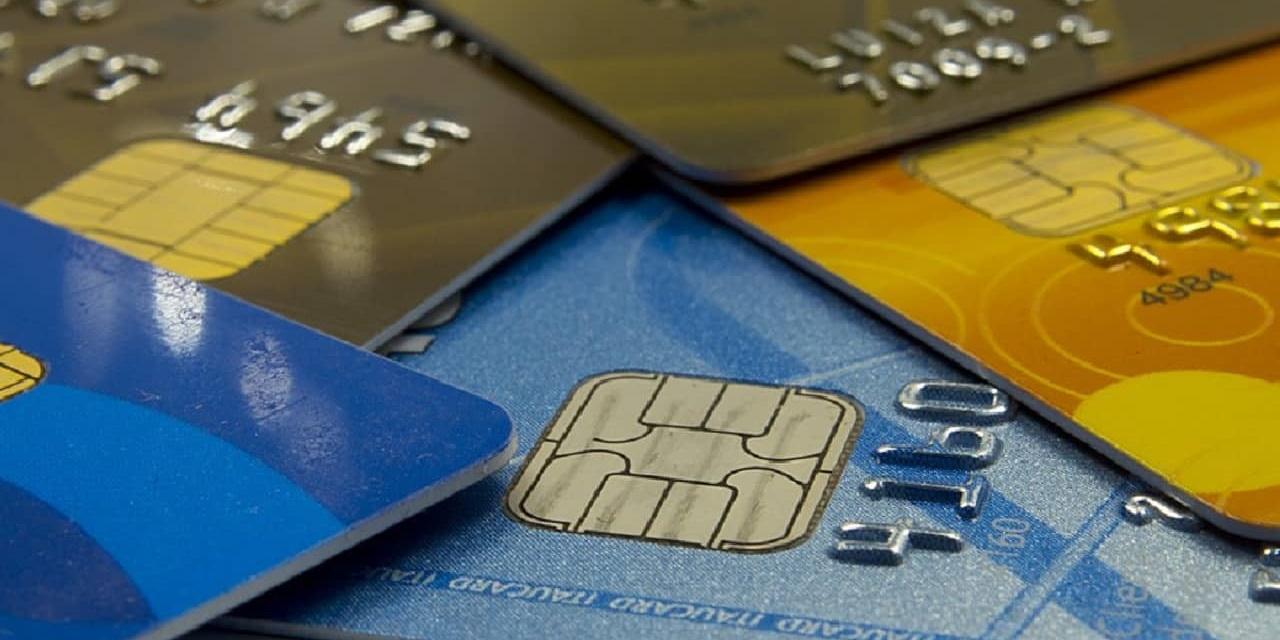 É constitucional a incidência de PIS/Cofins sobre taxa de administração de cartões