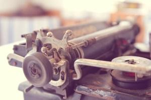 typewriter-338506_1280