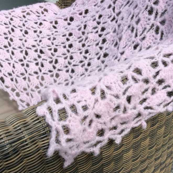 Encore de la douceur – South Bay shawlette