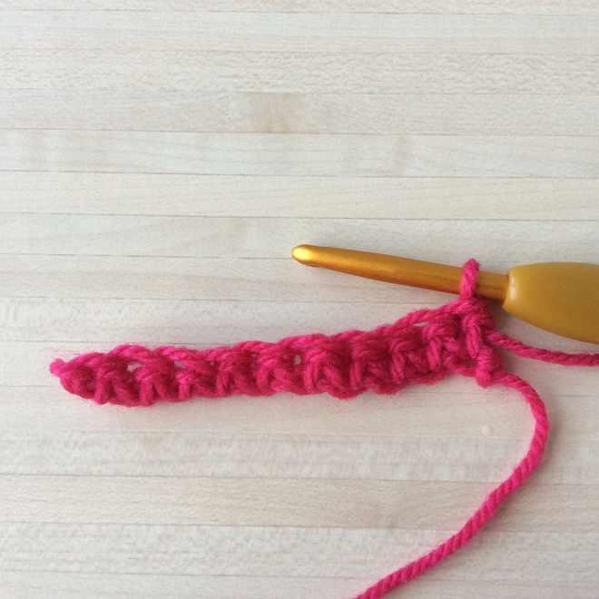 Maille serrée au crochet : le tuto pas à pas pour débutant. Des explications pour apprendre le crochet sur le blog