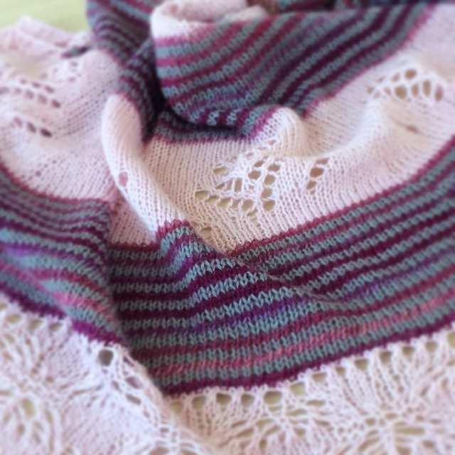 Châle Lady patience - modèle au tricot