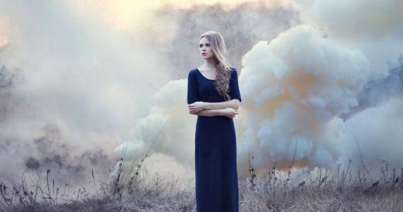 Capelli e smog: un rapporto difficile e pericoloso