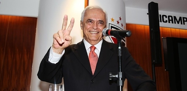 Carlos Augusto de Barros e Silva, presidente do São Paulo, criticou saída de Roberto Natel