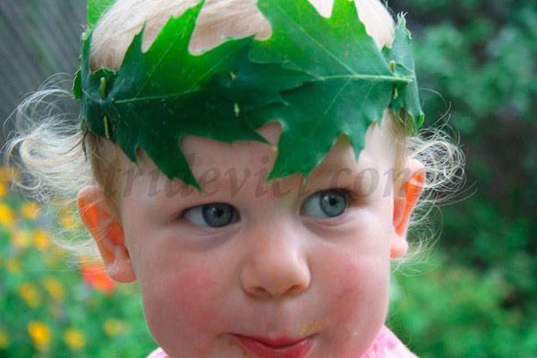 веночек из листьев