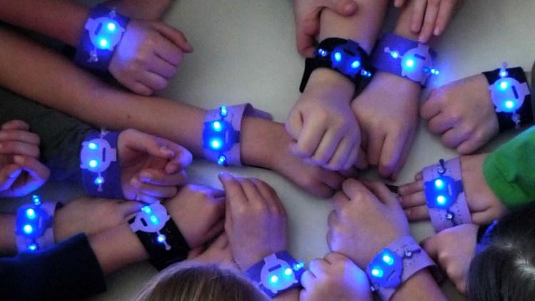 E-textile blinking Emoji (bracelet)