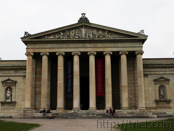 20090912180622-de-munich-city-glyptothek-w