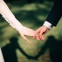 Tình yêu vĩnh cửu là có thật, chỉ con người mới phủ nhận nó!
