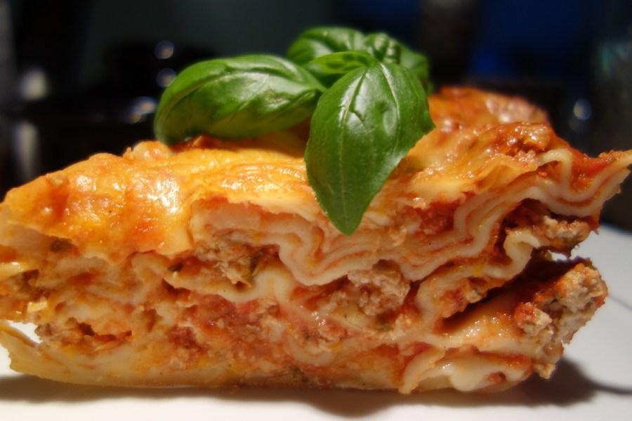 Lasagne z mięsem i domowym przecierem pomidorowym