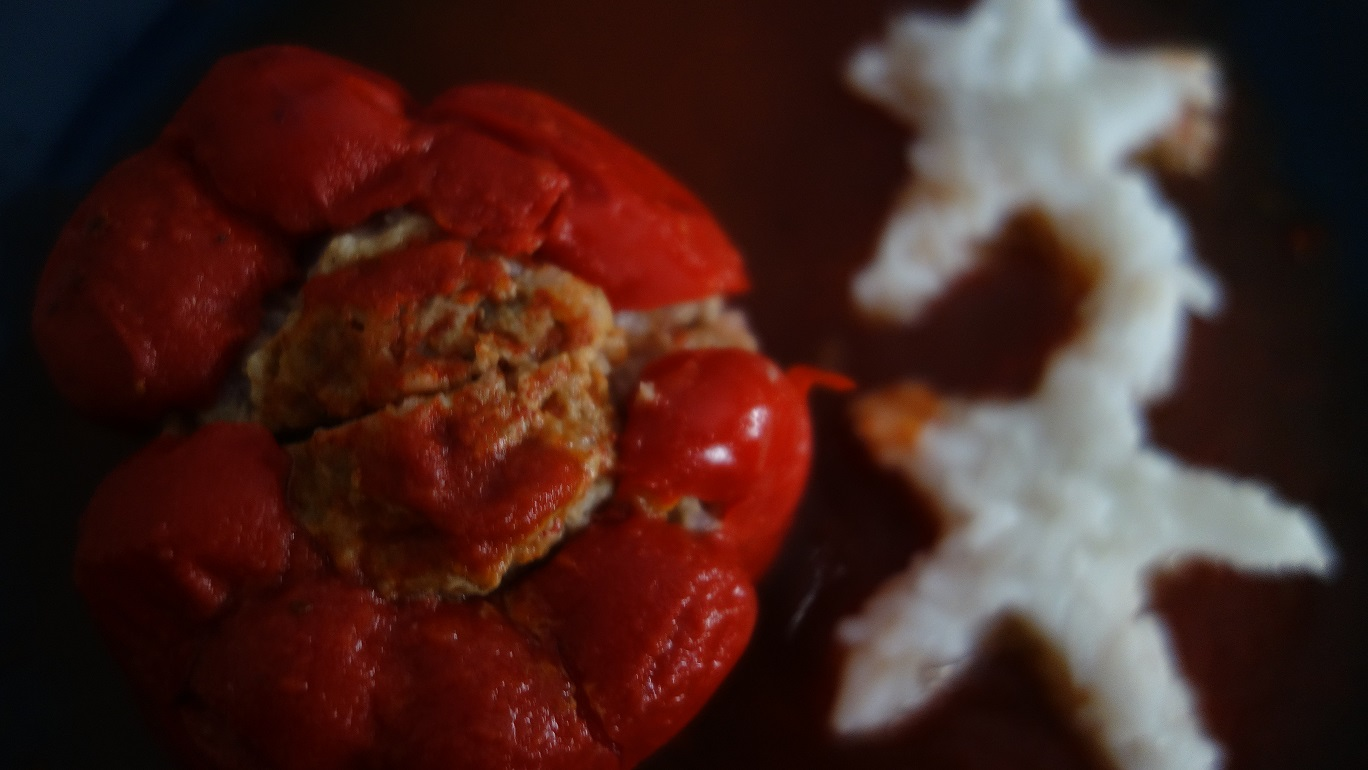 Papryka faszerowana mięsem i ryżem