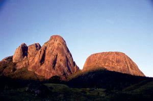Lançamento do Guia de Escaladas da Região dos Três Picos