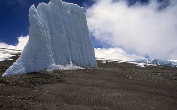 Neve do Monte Kilimanjaro pode sumir em 20 anos