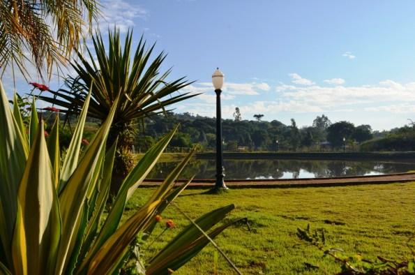 Parque do lago em Nova Cantu
