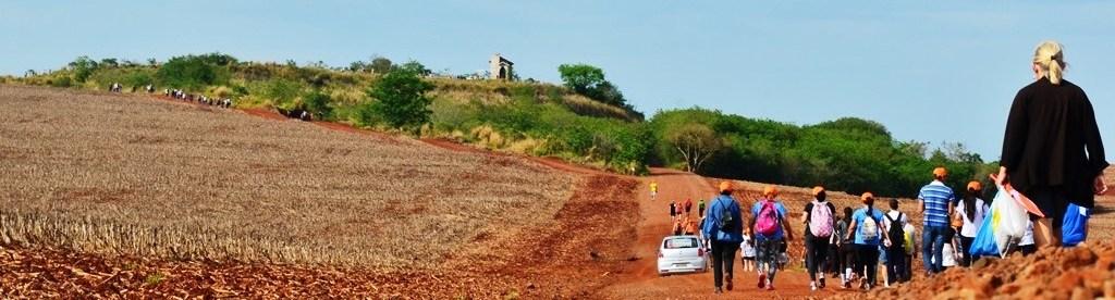 Caminhada na natureza - Vila Rica - Fênix