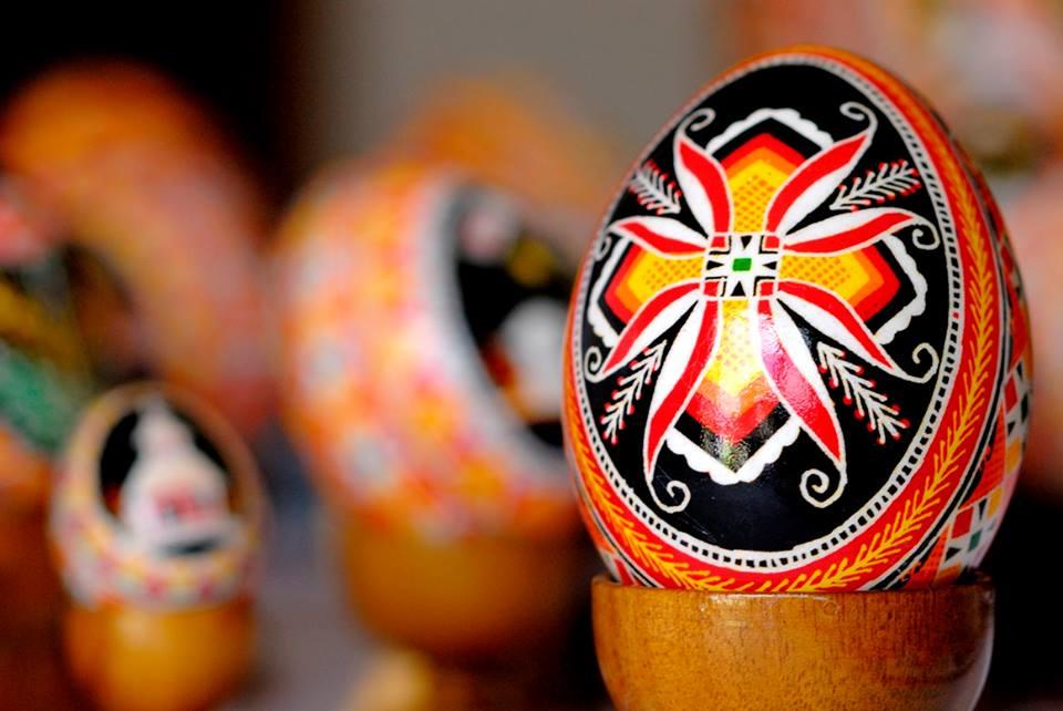 Pêssankas, tradicionais ovos pintados na Páscoa de Roncador