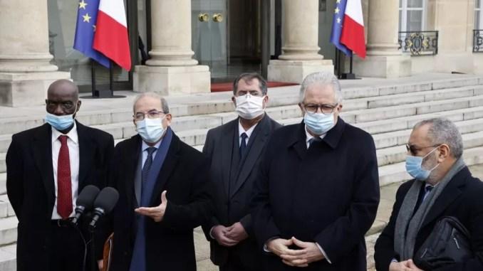 """Cinq questions sur la """"charte des principes"""" de l'islam de France, adoptée par le Conseil français du culte musulman"""
