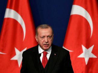 La patte de velours d' Erdogan n'amadoue pas les Européens