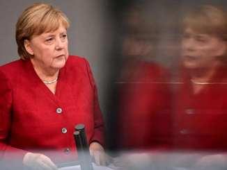 Allemagne : crise de la dette, sortie du nucléaire, accueil des réfugiés... Le bilan d'Angela Merkel à la chancellerie en cinq coups politiques