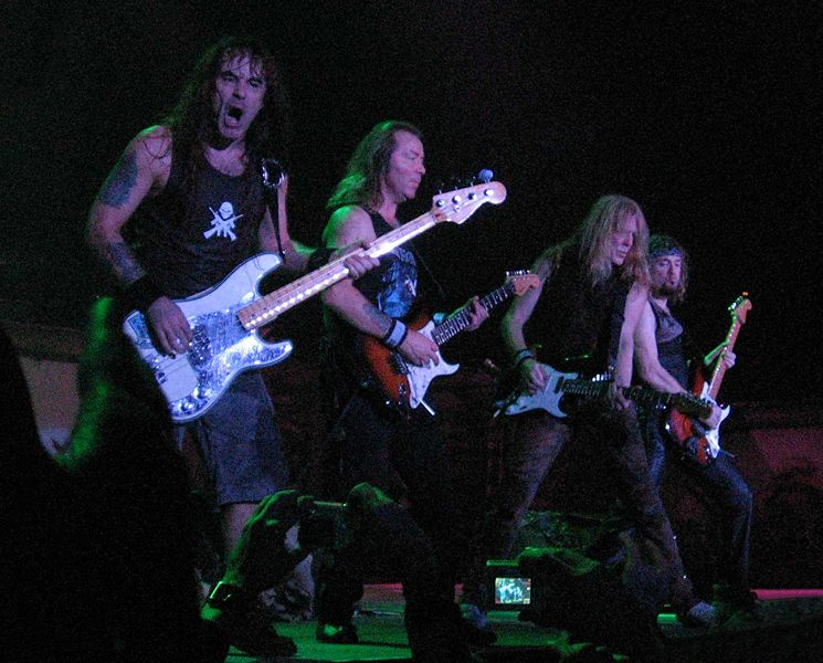 745px-iron_maiden_-_bass_and_guitars_30nov2006