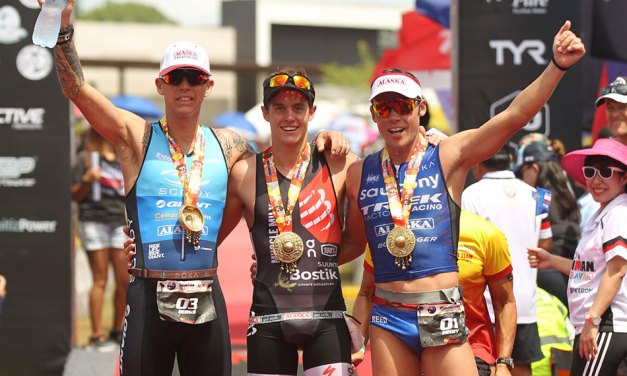¡En la cima! Mauricio Méndez conquista el Ironman 70.3 en Davao (Filipinas).