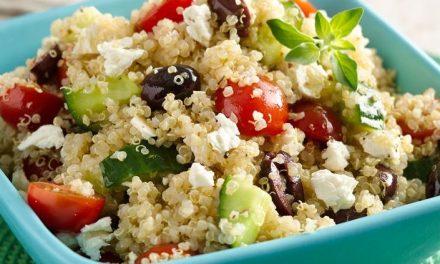 Receta de ensalada de quinoa con verduras.